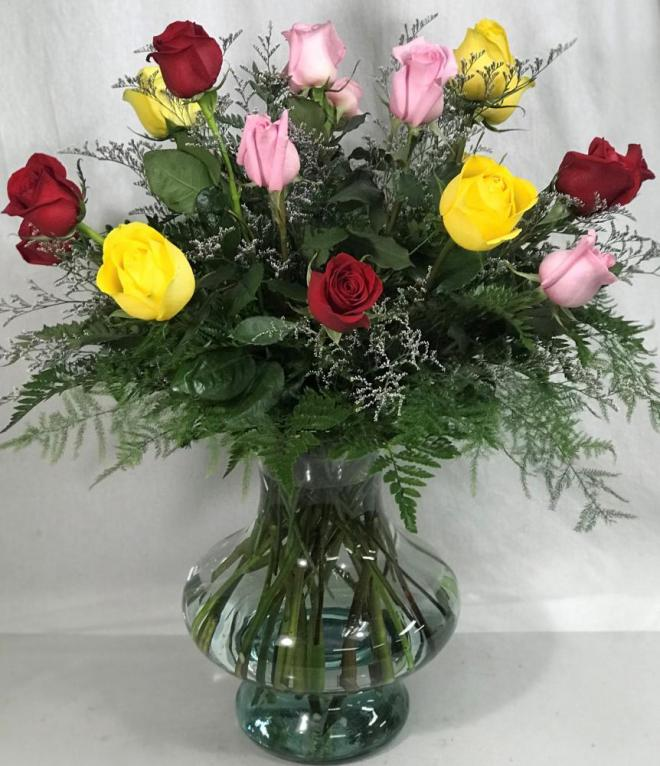 12 mixed roses in high end vase